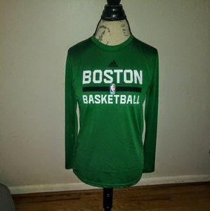 ADIDAS BOSTON BASKETBALL LONG SLEEVE TEE 🎯 EUC 🎯